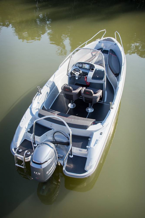PAAT YAMARIN 61 CENTER CONSOLE CROSS